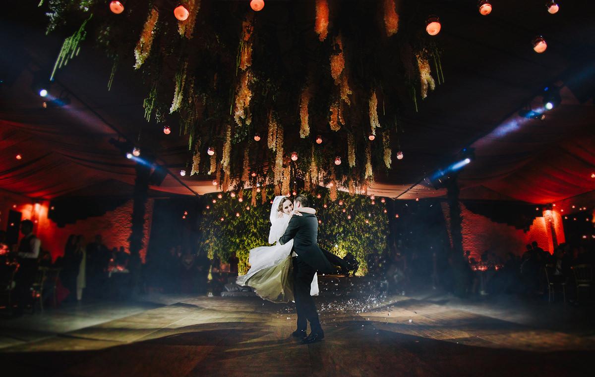 Fotografo de bodas en Guadalajara vals de novios
