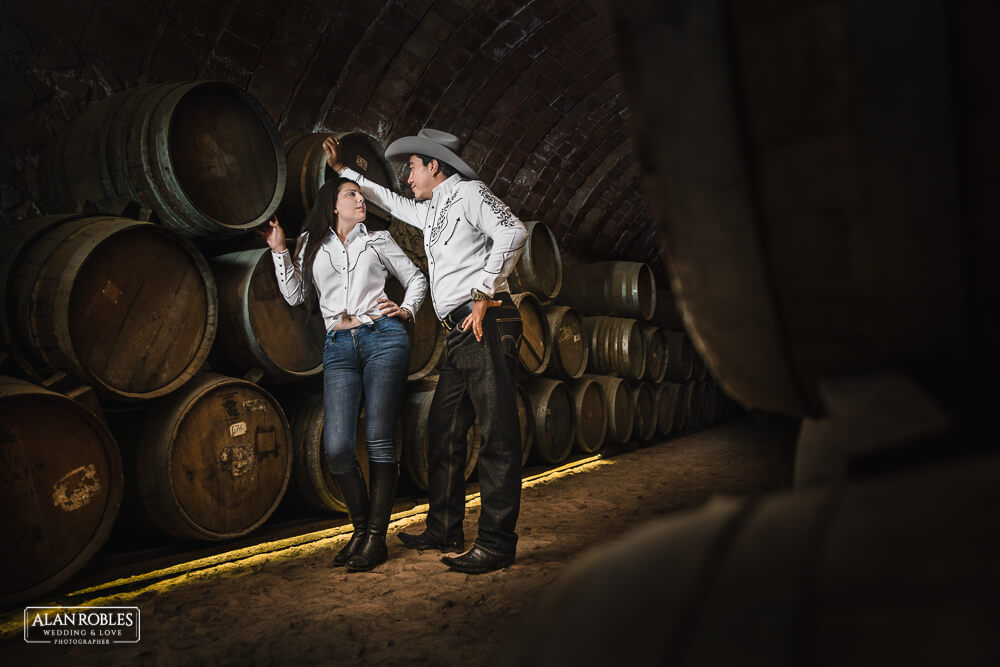 Sesion en cava de tequila preboda Fotografo de bodas Alan Robles