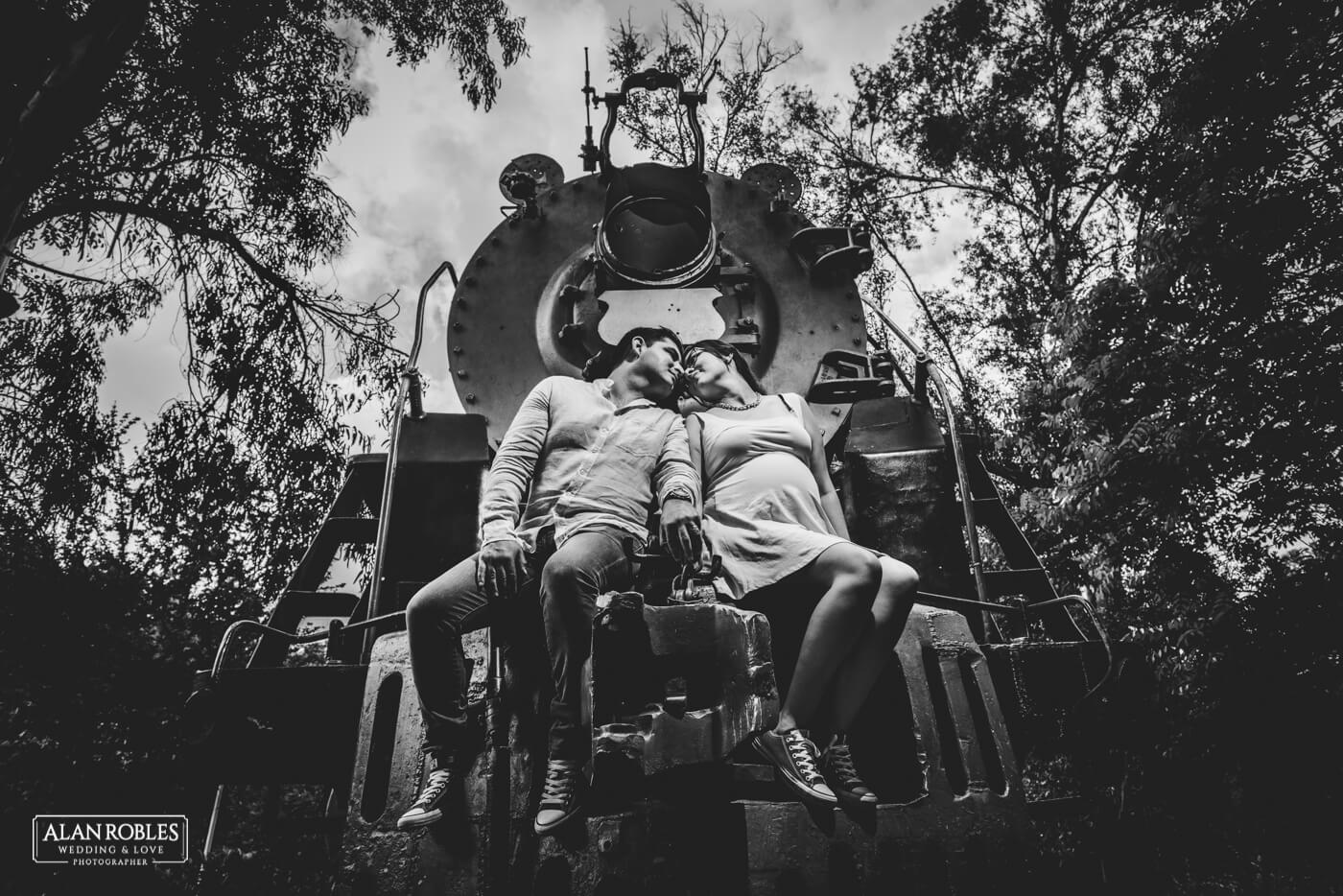 Tren Blanco y Negro Alan Robles Wedding & Love Photographer - Fotografo Bodas Guadalajara