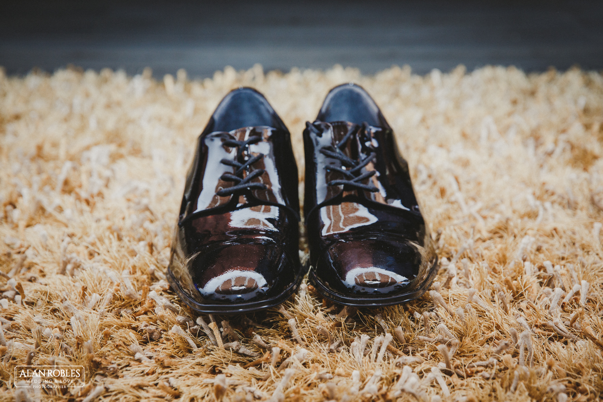 Detalle de los Zapatos. Getting Ready del novio, fotografia de bodas en Blanco. Alan Robles, fotografo de Bodas en Guadalajara.