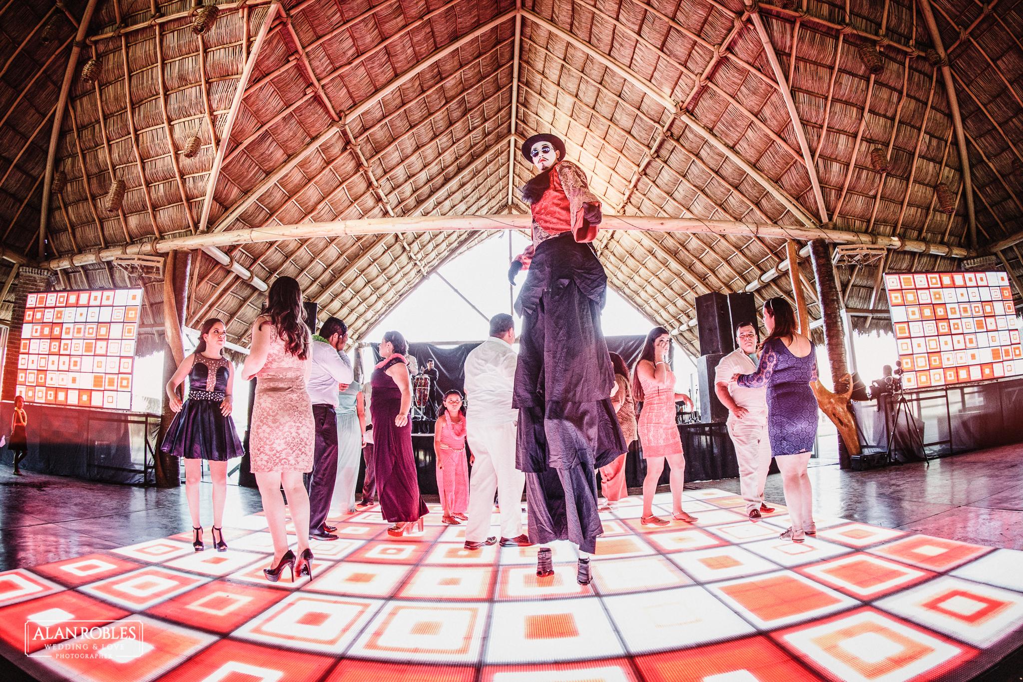 Fiesta de boda en Hacienda Los Pozos. Fotografo de Bodas Alan Robles.