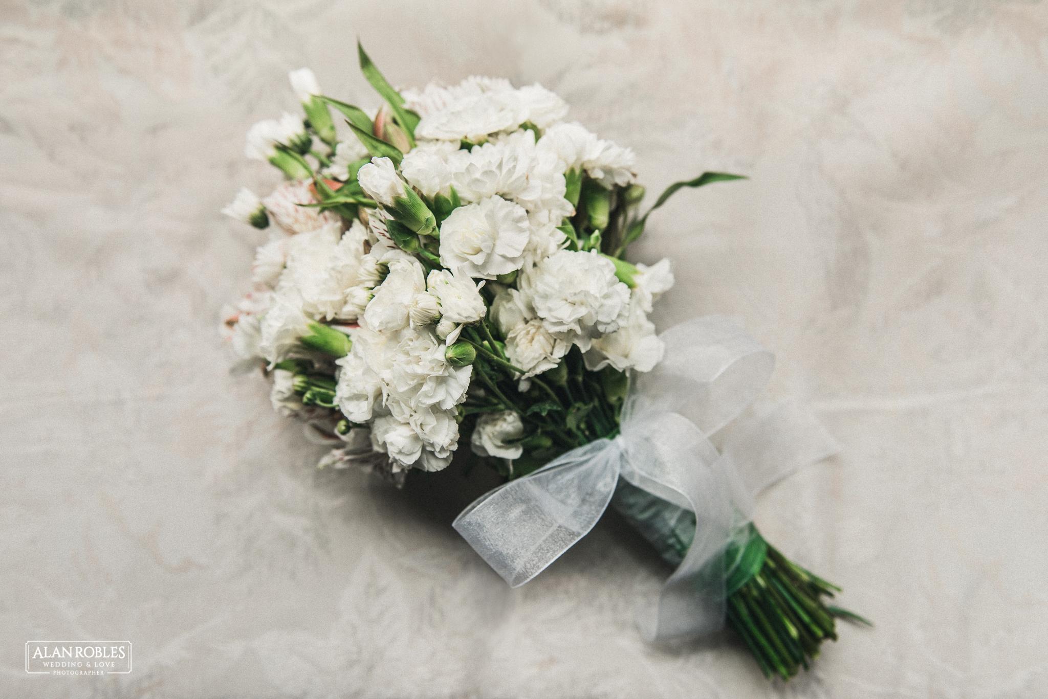 Ramo de novia, bridal bouquet. Fotografia documental de bodas. Alan Robles, fotografo de Bodas en Guadalajara.