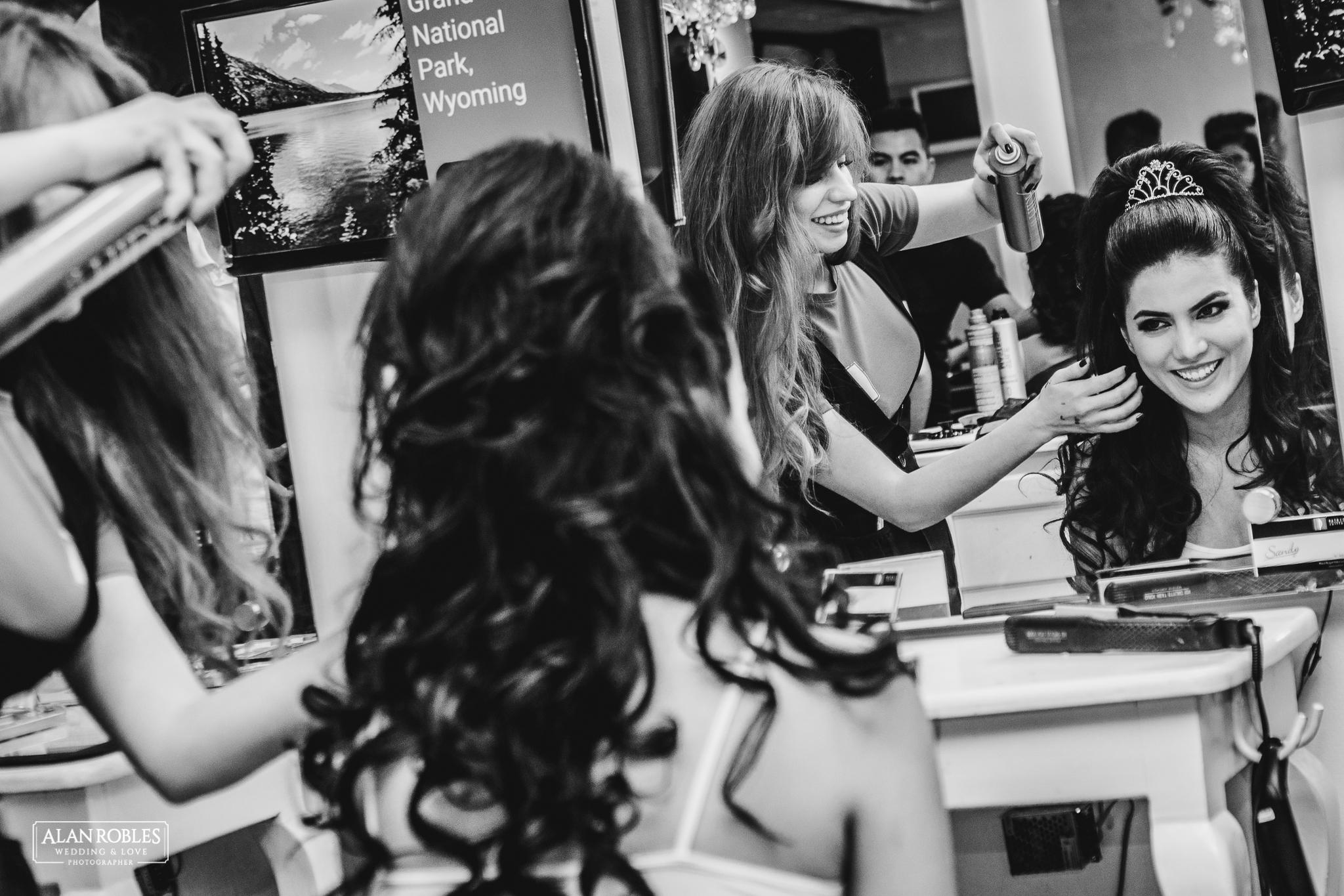 Getting Ready de la novia. El mejor Fotografo de Bodas en Guadalajara Alan Robles Wedding & Love Photographer.