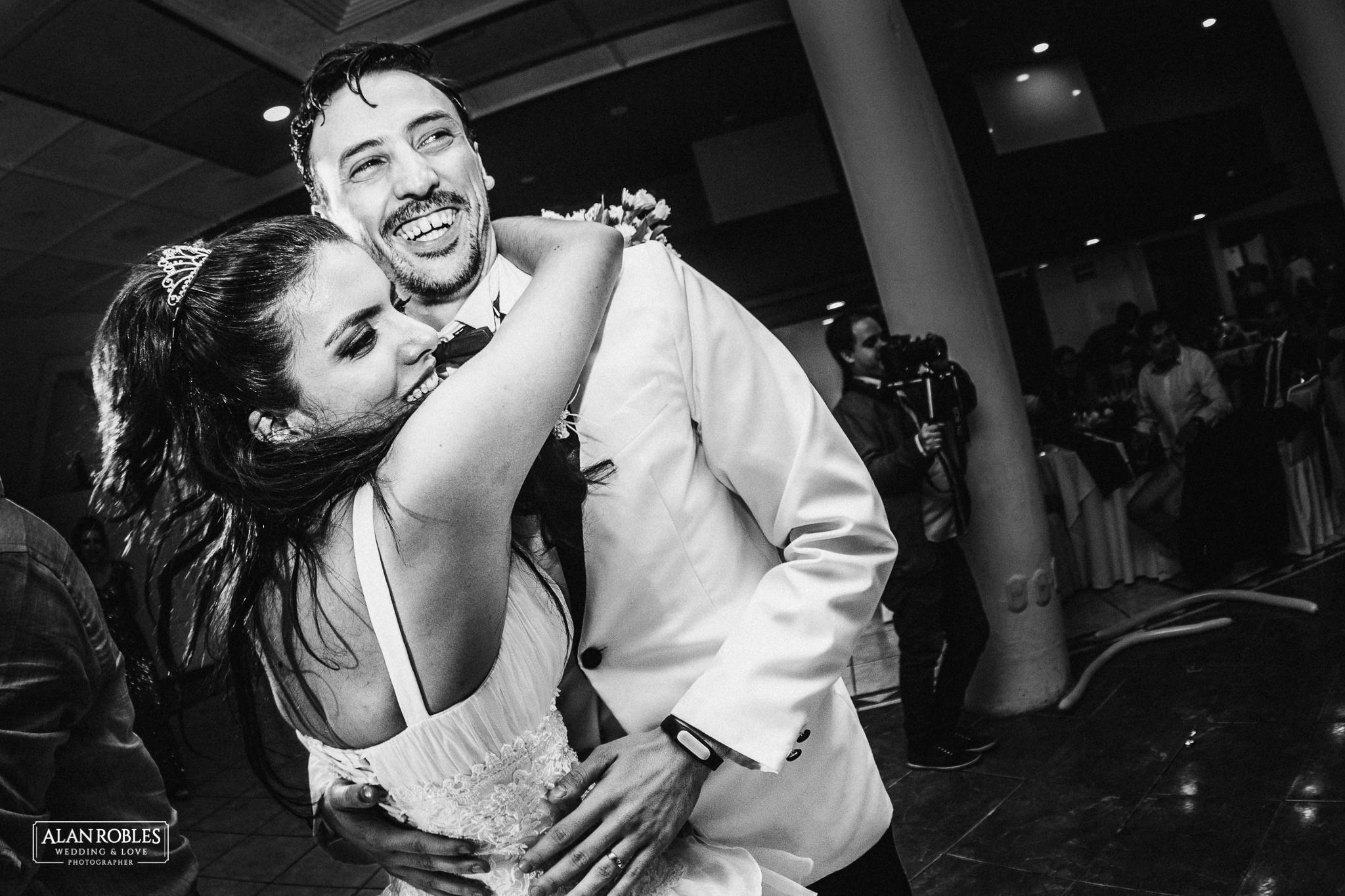 Fotografo de bodas Alan Robles. Fotografia documental en bodas. El mejor fotografo en Guadalajara.