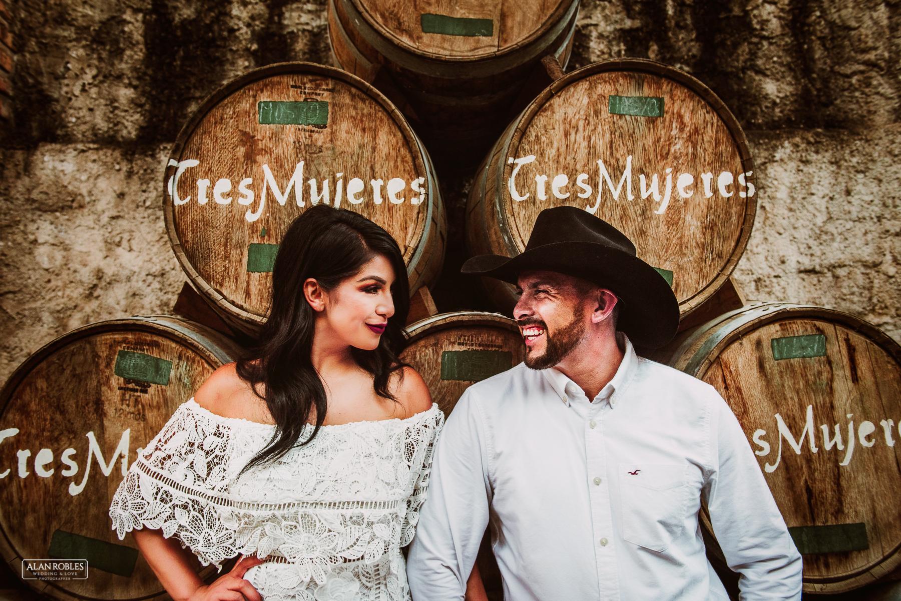 Fotografo de Bodas en Guadalajara Alan Robles - Preboda en Tequila Pueblo Magico - Cava Hacienda Tres Mujeres