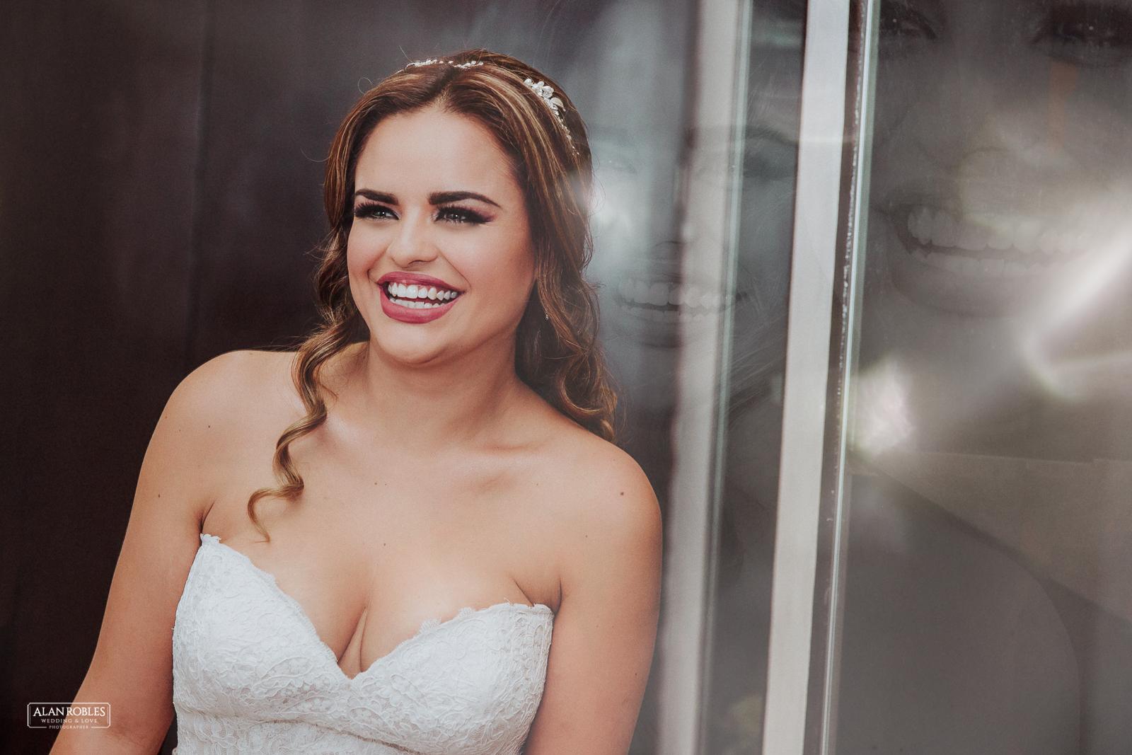 Fotografo de Bodas en Guadalara Alan Robles - Boda en Tlaquepaque Centro historico - Getting Ready Bride