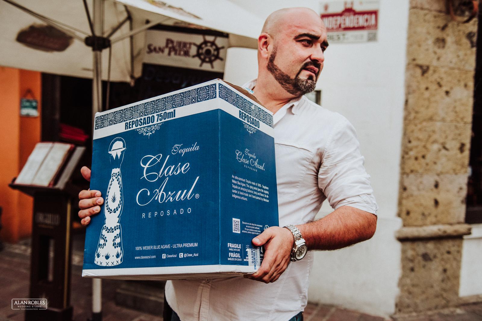 Fotografo de Bodas en Guadalara Alan Robles - Boda en Tlaquepaque Centro historico - Tequila Clase Azul