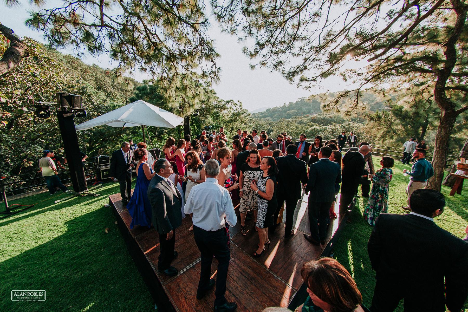 Fotografo de bodas guadalajara Alan Robles - Pinare terraza bistro 50